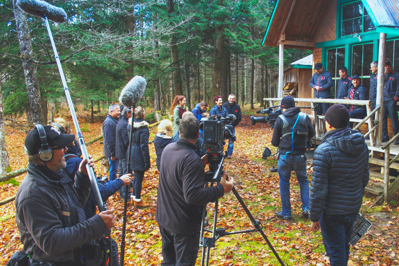 As part of our camera department, our camera crew is at work on a Swiss reality TV series, Diner à a Ferme au Canada. Director of photography, cameraman, sound recordists and director at work
